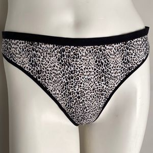 Victoria's Secret leopard thong panty XL